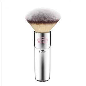 😍 IT COSMETICS* Love Beauty Buffing Bronzer Brush